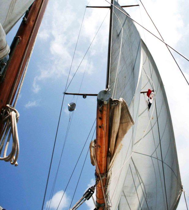 sail Colombia to Panama 812