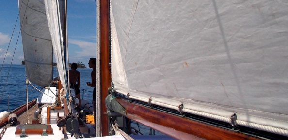 sailing trip colombia to panama