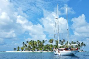 Blue Sailing San Blas Adventure on Ave Maria Sailing Panama to Cartagena