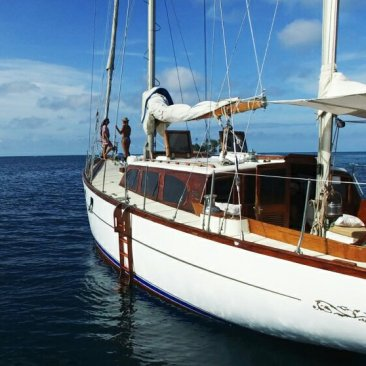 Best boat colombia to panama