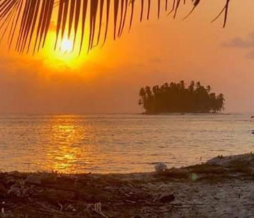 Panama to Cartagena tour Ave Maria Sailing